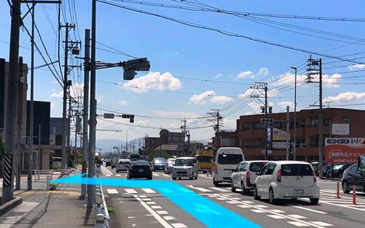 名古屋方面からお越しの方 国道1号線を西へ進みます。交差点「佐古木」を左折します。